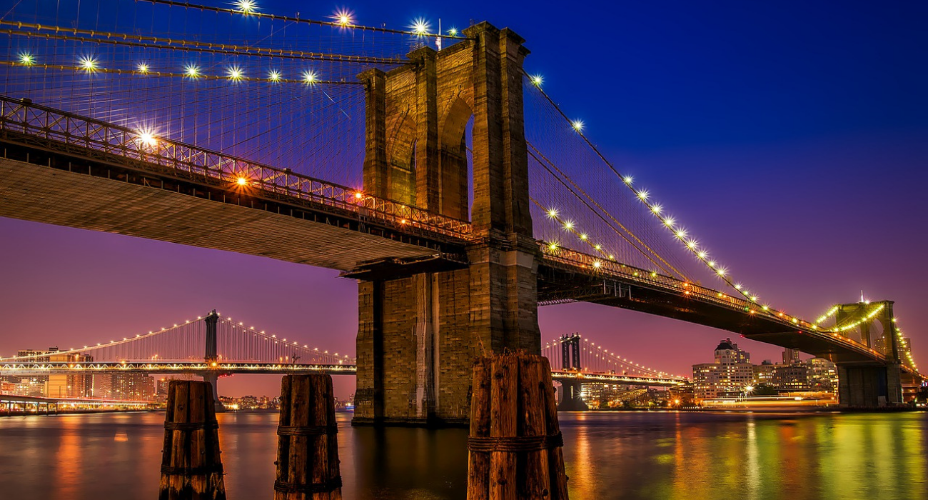 The History Of The Brooklyn Bridge Is Fascinating, And This Is How Best To See It In-Person